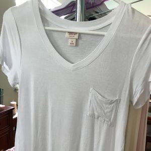 NWOT Mossimo V-Neck Flutter Tshirt